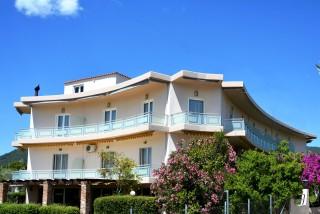 Sourishotel_rovies_evia_island_greece_exterior_limni_evias