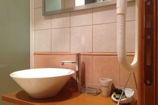 bathroom_deluxe_double_Rovi